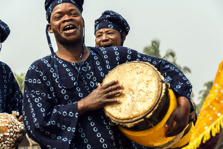 TB071000-Drummer-at-the-Ouidah-Voodoo-festival.jpg