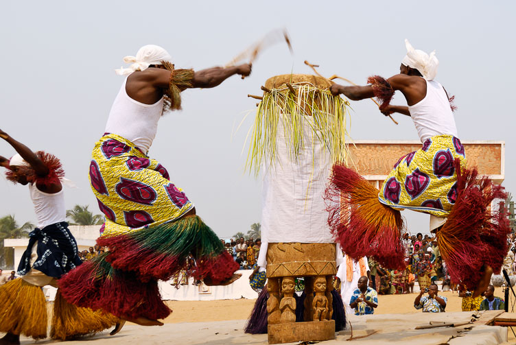 TB071026-The-flying-drummers-.jpg