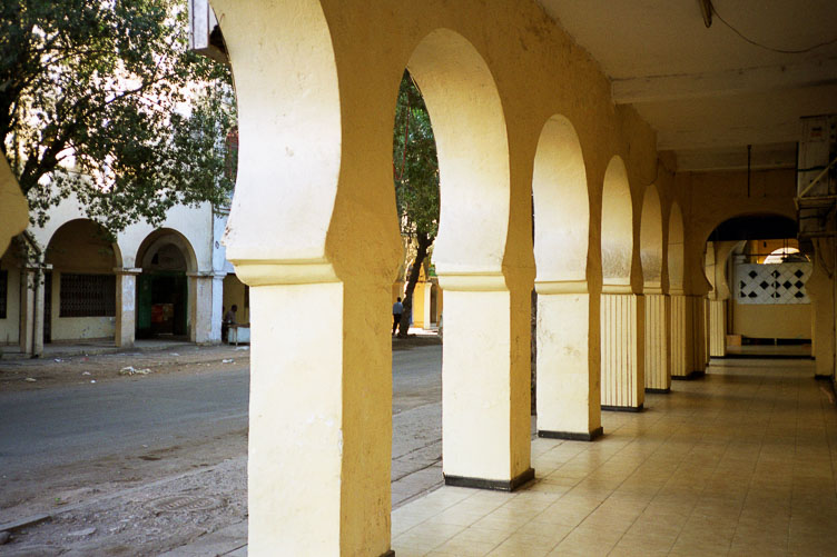 DJ05003-Typical-arches-in-Djibouty-City.jpg