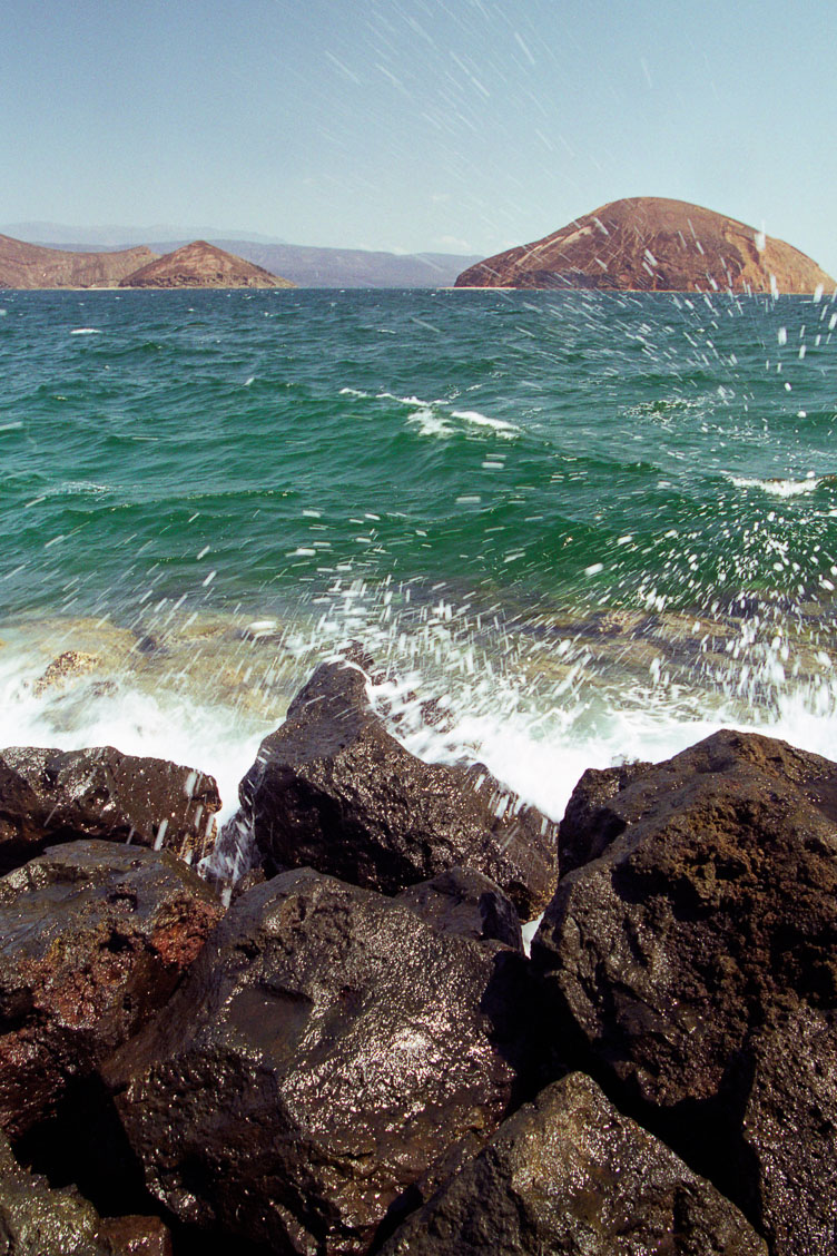 DJ05028-The-Djibouti-coast.jpg