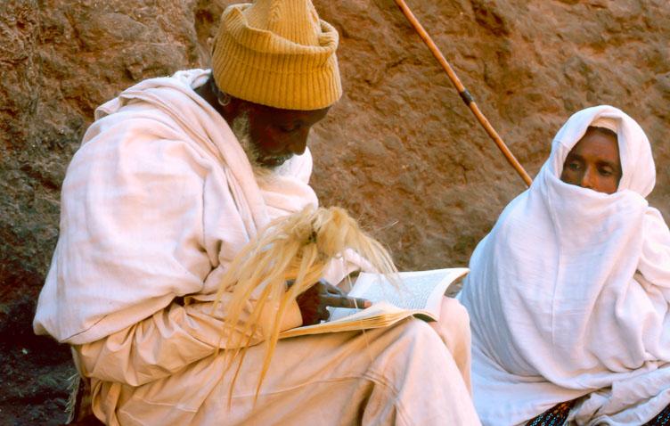 ET05015-Pilgrims-reading-the-bible-at-Leddeth-in-Lalibela.jpg