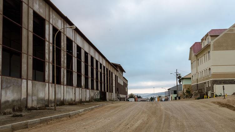 ZA130555-The-empty-streets-of-Luderitz.jpg