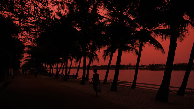 TB070042-An-african-sunset-in-Lome.jpg