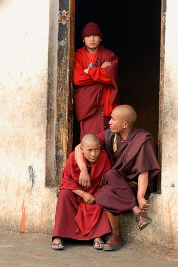 SB06562-Monks-at-the-Namkhe-Nyingpo-Monastery.jpg
