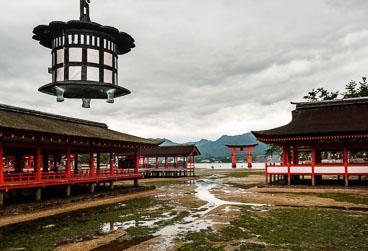 JA080973E-Miyajima-Itsukushima-Shrine.jpg