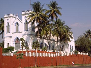MY96007-Yangon-church_v1.jpg