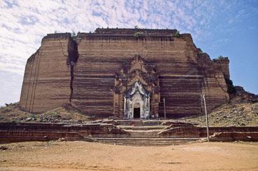MY96017-Mingun-Pagoda-.jpg