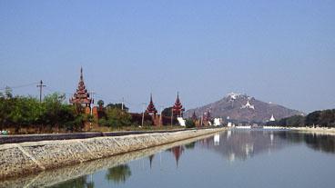 MY96046-Mandalay-Royal-Palace-and-Mandalay-hill_v1.jpg
