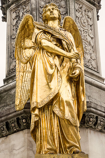 CR120049E-Zagreb-golden-angel-in-front-of-St-Stephans-cathedral.jpg