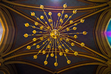 CR120073E-Inside--St-Stephans-cathedral-in-Zagreb_v1.jpg