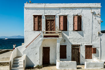 HALCruise-130128-Mykonos-house-on-the-hill.jpg