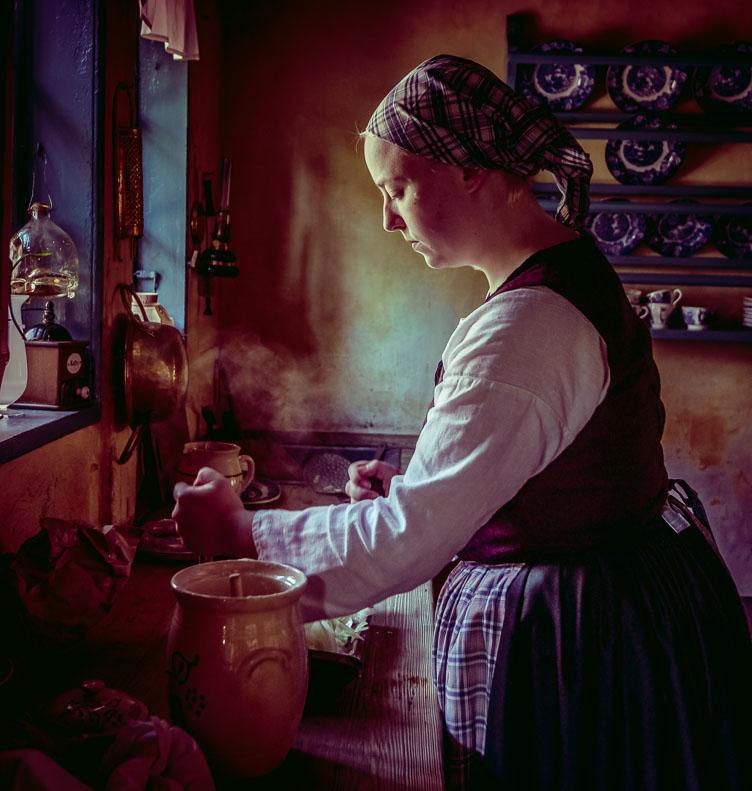 DE160237-A-Vermeer-like-scene-in-Den-Gamle-By.jpg