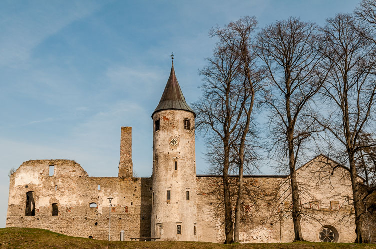 ES090275-Haapsalu---Cathedral-and-Castle.jpg