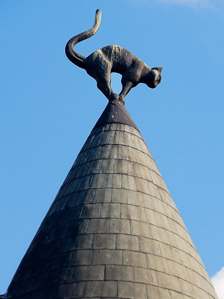LE080081-Riga-The-Cat-House.jpg