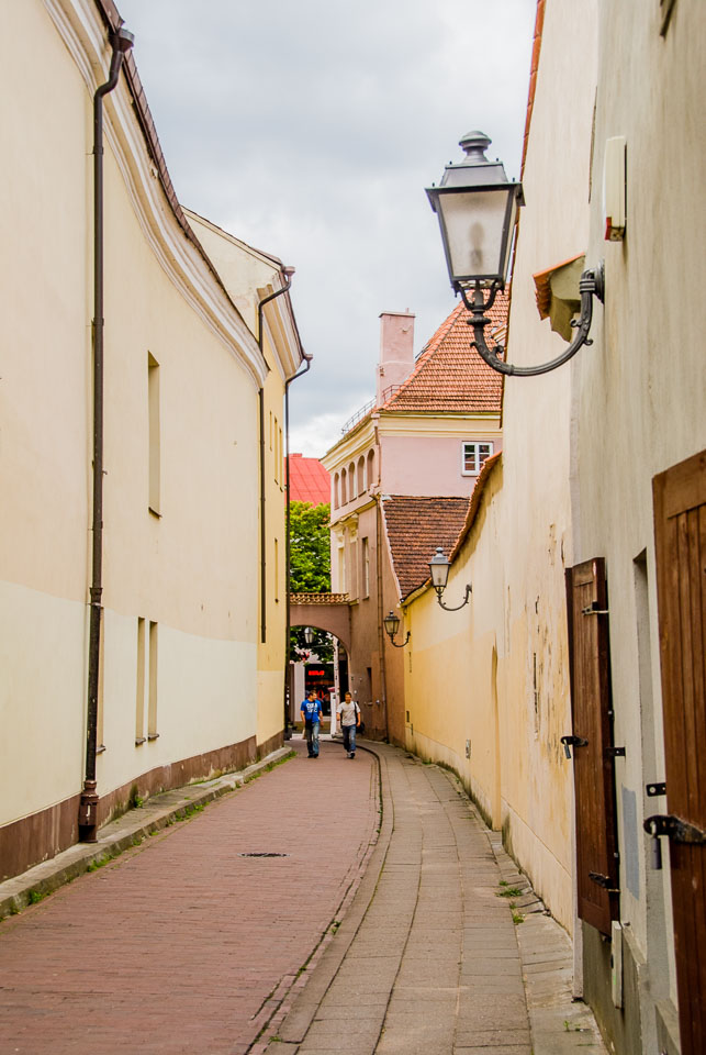 LI080094-Vilnius-alley.jpg