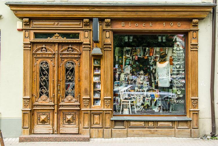 LI080138-Vinius-Uzupio-shop.jpg