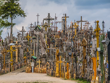 LI090019-Hill-of-the-crosses-at-Siauliai_v1.jpg