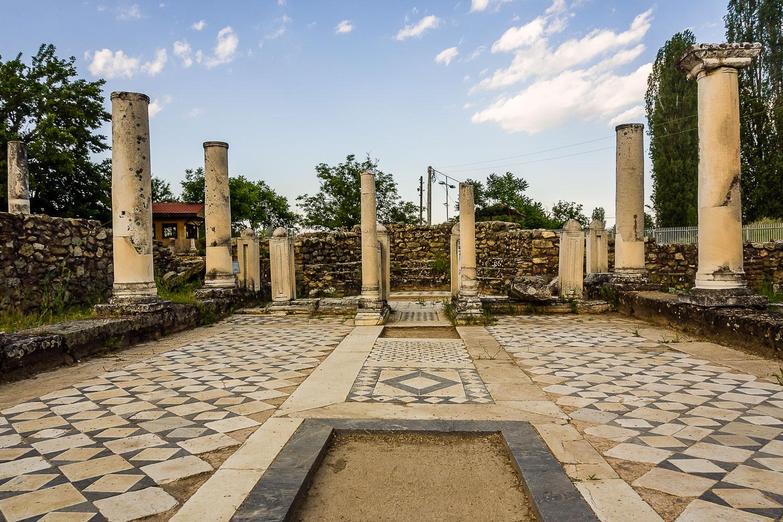 MA140360E-Heraclea-The-Small-Basilica.jpg