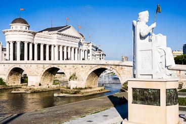 MA140467E-Skopje-monuments-and-grandeur-.jpg