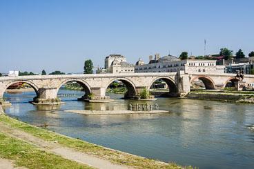 MA140475E-15th-century-stone-bridge-.jpg