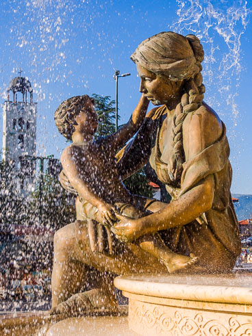 MA140512-2-Fountain-of-the-Mothers-of-Macedonia_v1.jpg