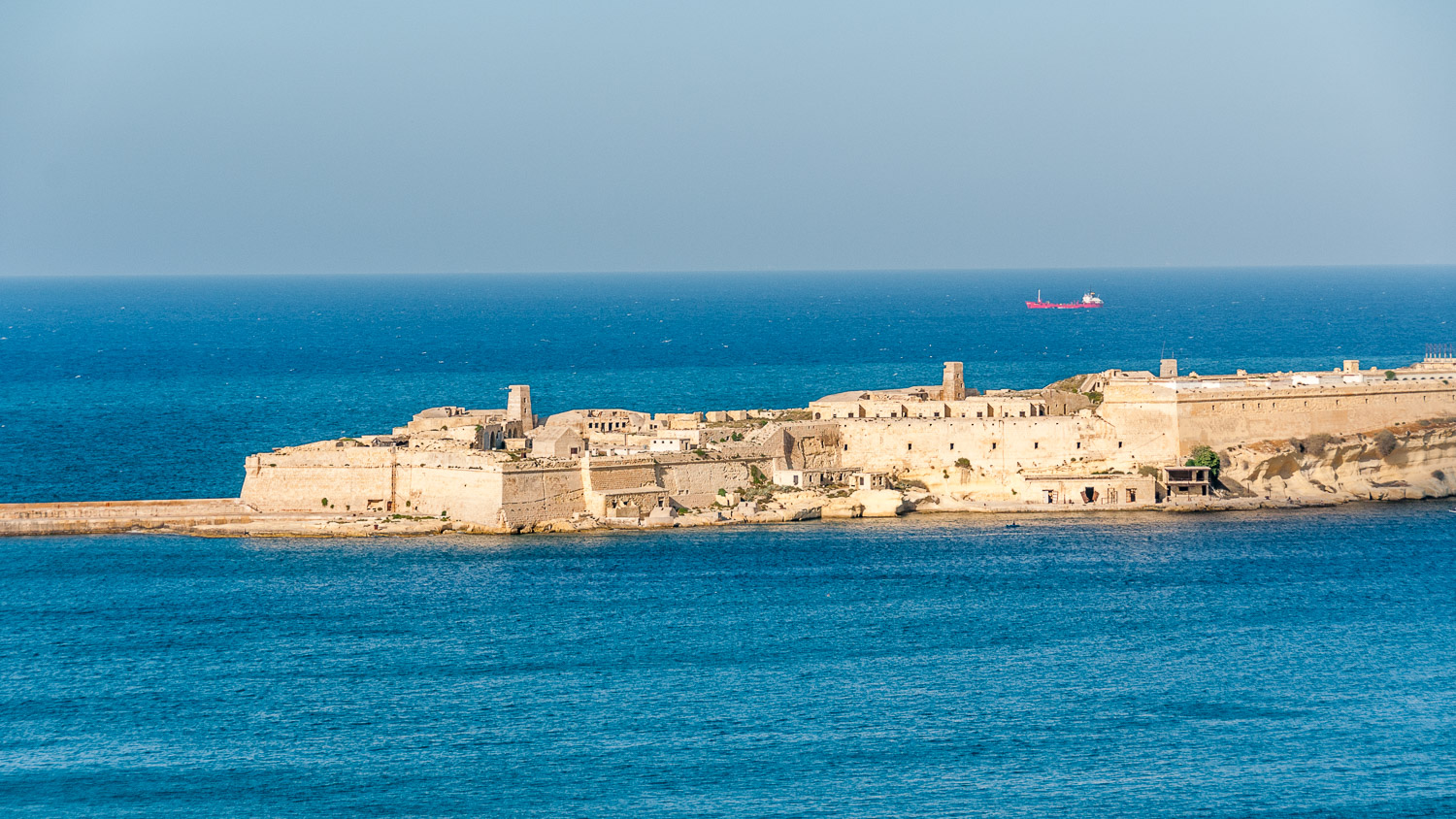MA10139-The-fortifications-of-Valetta_v1.jpg