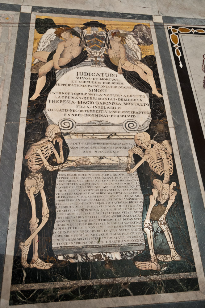 MA10220-Mdina--grave-in-St-Pauls-Cathedral.jpg