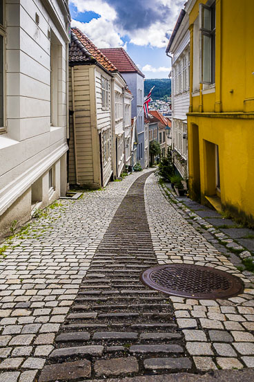 NO140066E-Bergen-Sandviken-streets.jpg
