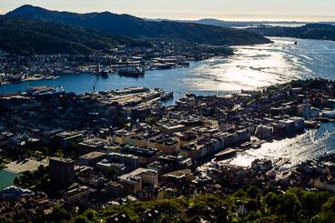 NO140096E-View-over-Bergen-from-Floyen.jpg