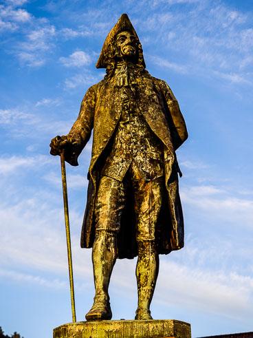 NO140120E-Bergen-Statue-of-Holberg_v1.jpg