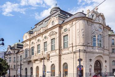 SL15054-Edit-Bratislava-architecture.jpg