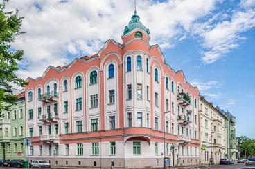 SL15055-Edit-Bratislava-architecture-2.jpg