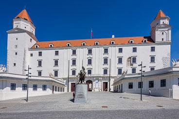 SL15090-Edit-Bratislava-Castle_v1.jpg