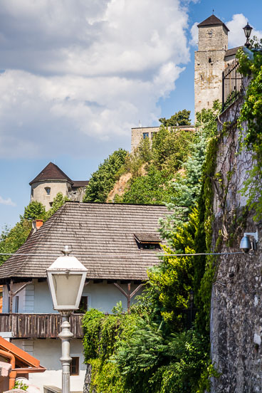 SL15235-Trencin-view-of-the-castle.jpg
