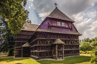 SL15297-Edit-The-wooden-church-of-Hronsek.jpg