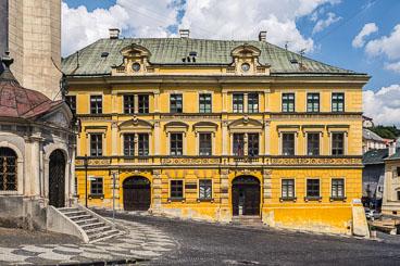 SL15328-Edit-Banska-Stiavnica-houses-of-the-rich.jpg