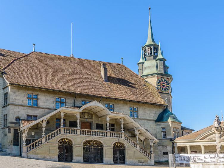 _D8C5701E-2-Friburg-the-old-city-hall.jpg