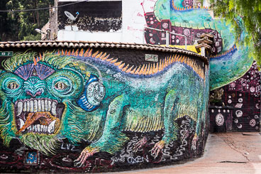 CO150074E-Bogota–graffiti.jpg