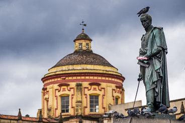 CO150118E-Bogota–Bolivar-statue.jpg