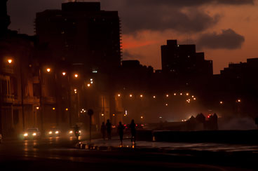 CU120059-The-Malecon-at-dusk.jpg