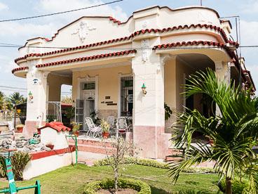CU120492-Edit-Punta-Gorda-in-Cienfuegos-_v1.jpg