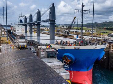 PA150488-Panama-Canal-at-the-Gatun-Locks.jpg
