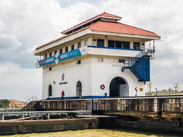 PA150560E-Panama-Canal-The-Pedro-Miguel-locks-.jpg