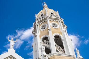 PA150069E-Panama-city-The-San-Francisco-church-in-Casco-Viejo_v1.jpg