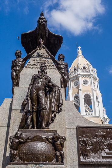 PA150071E-Panama-city-Simon-Bolivar-the-liberator-in-Casco-Viejo_v1.jpg